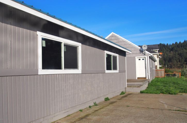 34005 RESORT DR, Pacific City, OR 97112