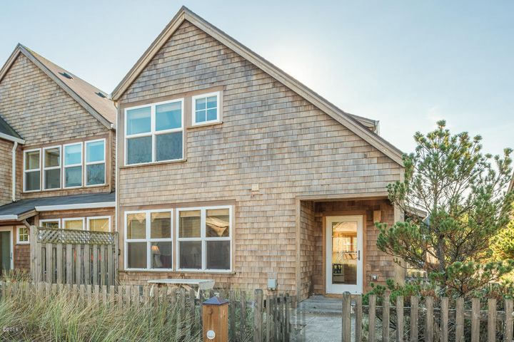 5995 BEACHCOMBER LN, Pacific City, OR 97135