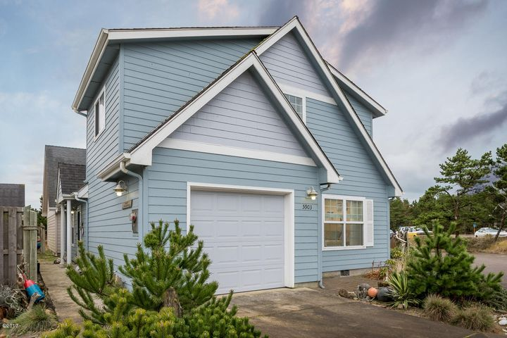 5903 FOUR SISTERS LN, Pacific City, OR 97135