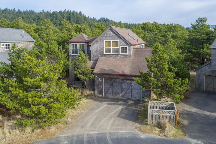 5680 BAREFOOT LN, Pacific City, OR 97135