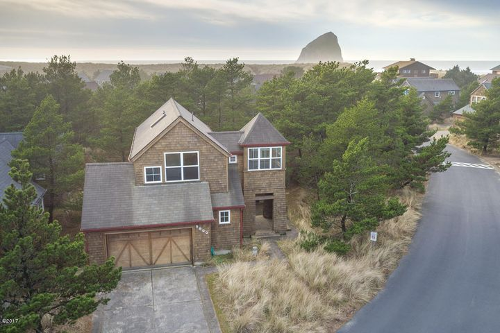 5800 BAREFOOT LN, Pacific City, OR 97135