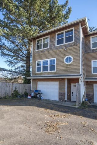 6452 Shade Street, Pacific City, OR 97135