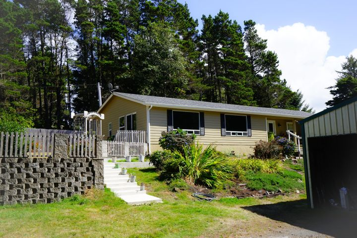 857 NW DOWNING LN, Seal Rock, OR 97376