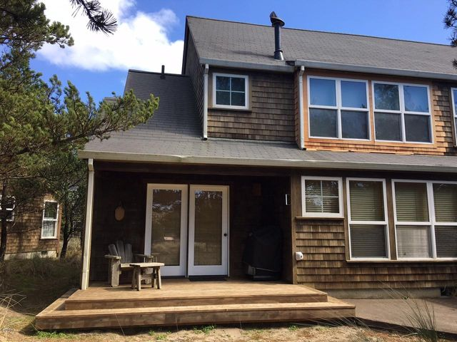 5930 Summerhouse Lane Share C, Pacific City, OR 97135
