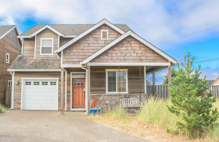 33725 Centerpointe Dr, Cloverdale, OR 97112