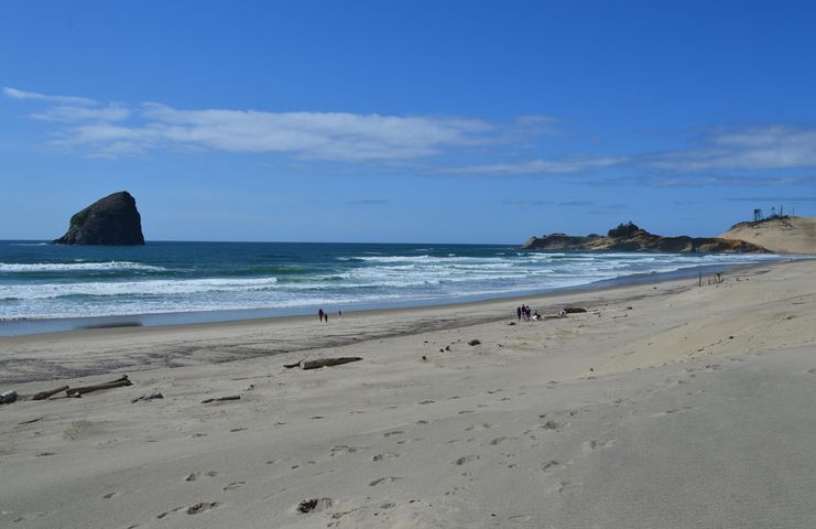 TL 6100 Ocean Drive, Pacific City, OR 97135