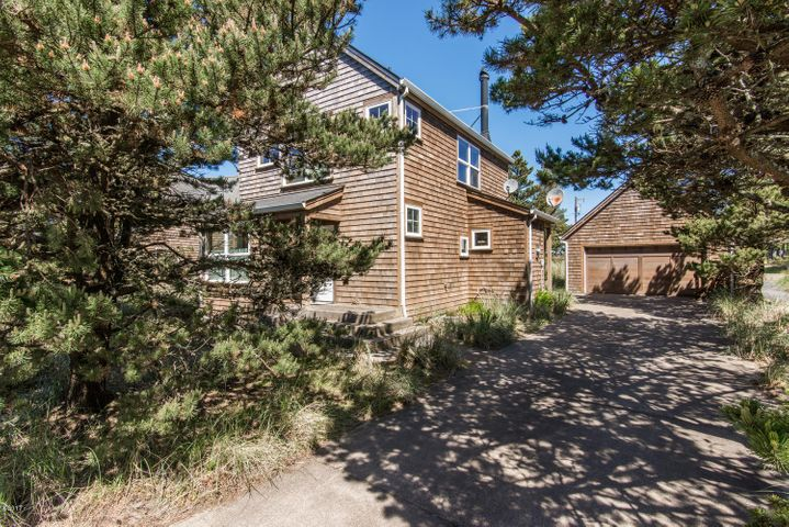 5785 Barefoot Lane, Pacific City, OR 97135