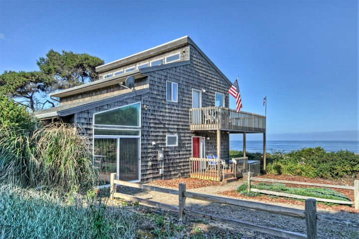 9920 South Coast Highway, South Beach, OR 97366