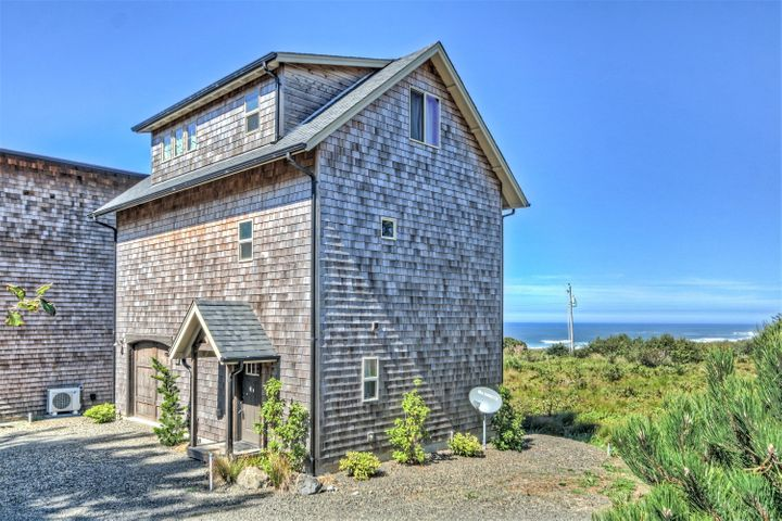 350 VILLAGE LANE, Yachats, OR 97498