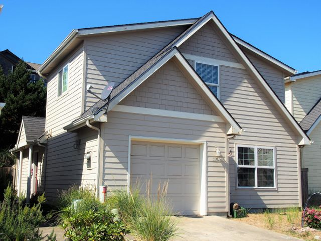 5503 Four Sisters Ln, Pacific City, OR 97135