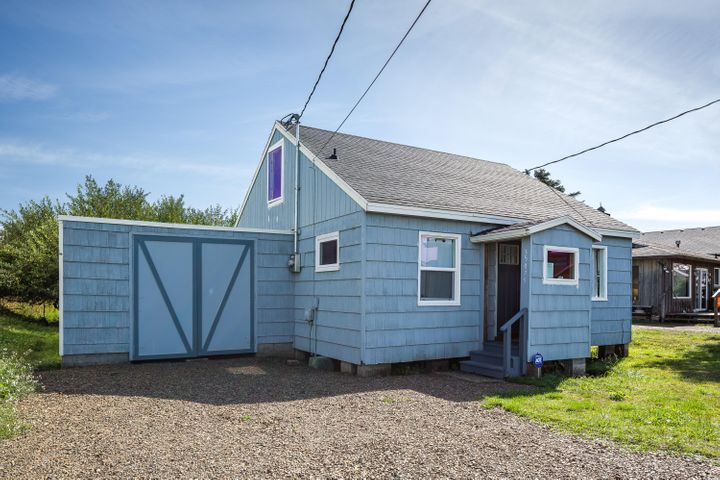 35075 Rueppell Ave, Pacific City, OR 97135