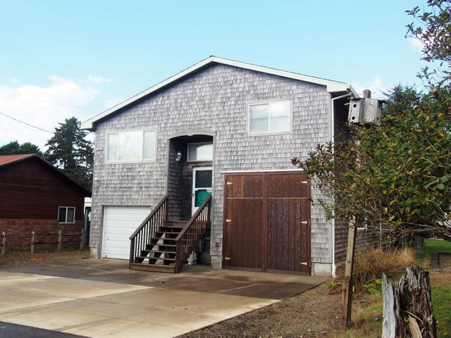 6560 Pacific Ave, Pacific City, OR 97135