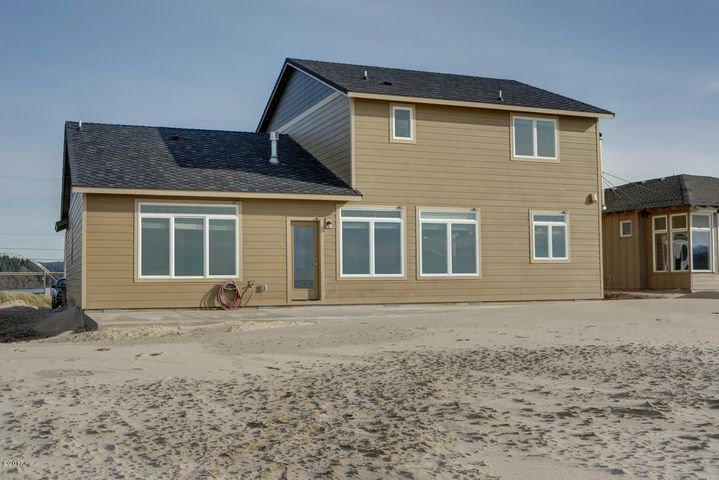 26 NW OCEANIA DR, Waldport, OR 97394