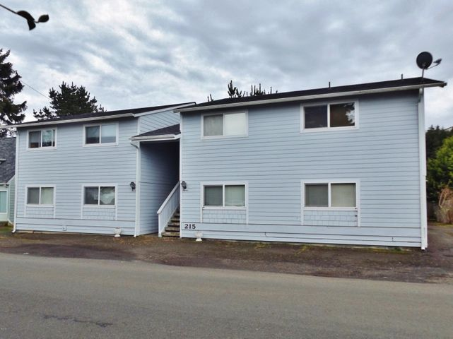 215 SW Maple St, 1,2,3 &4, Waldport, OR 97394