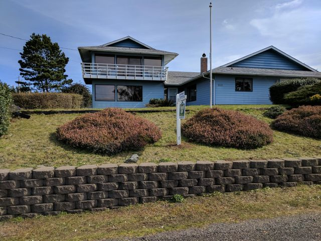 5431 SW Field Ave, Waldport, OR 97394