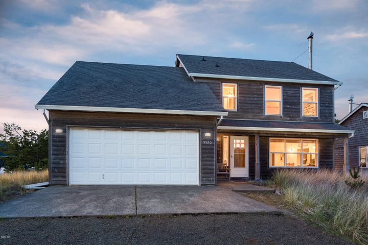 5920 Neptune Dr, Pacific City, OR 97135
