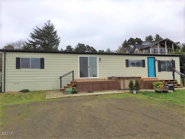 10151 NW Crane St, Seal Rock, OR 97376