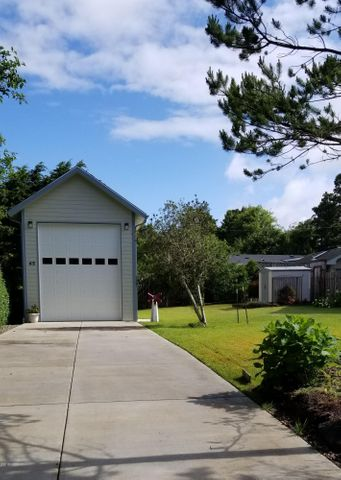 65 Pacific St., Depoe Bay, OR 97341