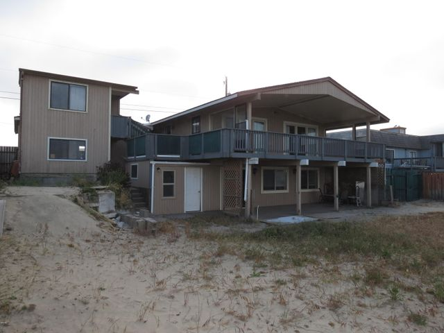 205 NW Oceania Dr, Waldport, OR 97394