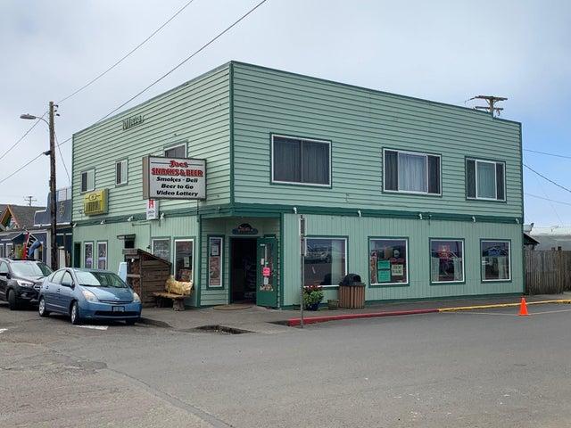 101 S Miller St, Rockaway Beach, OR 97136