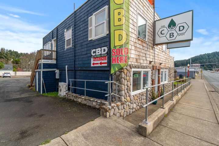 4756 SW Hwy 101, Lincoln City, OR 97367
