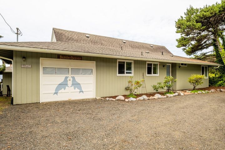 11294 NW Pacific Coast Hwy, Seal Rock, OR 97376