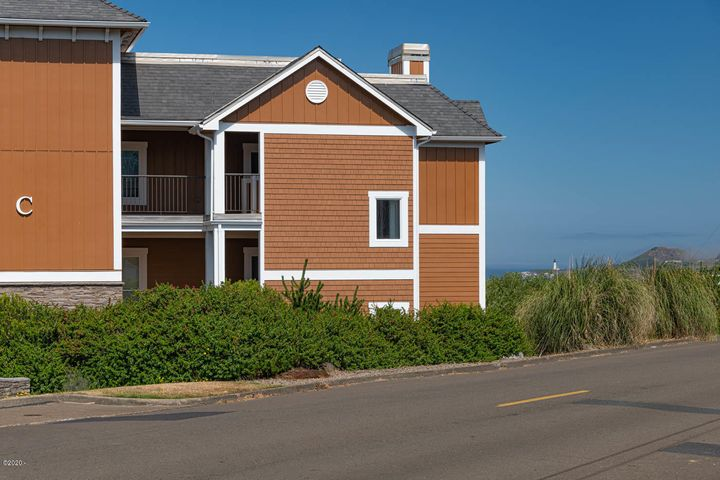 1125 NW Spring St, C103, Newport, OR 97365