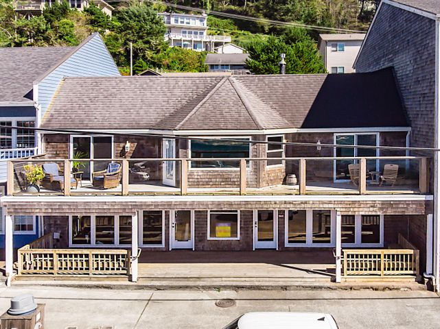 Residential above and choose 1 or two Retail Shops below. All with an amazing view of the Depoe Bay Sea Wall and dramatic ocean views.