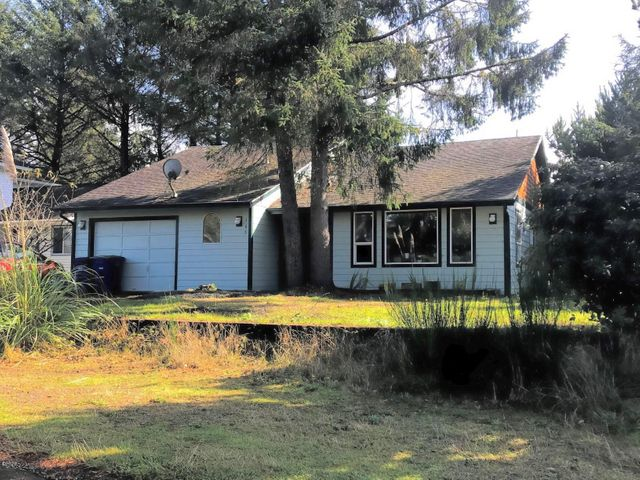 165 Spruce Ct, Depoe Bay, OR 97341