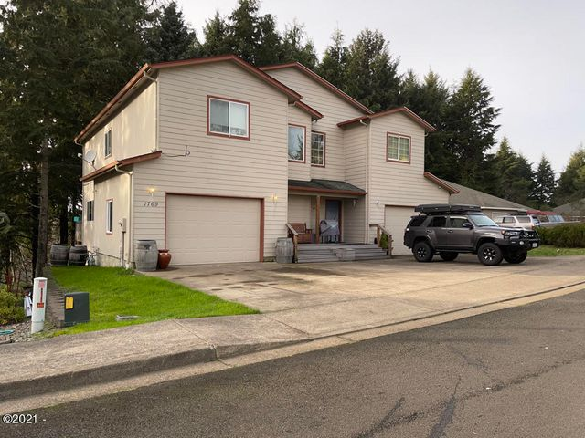 1767/1769 SE Mast Ave, Lincoln City, OR 97367