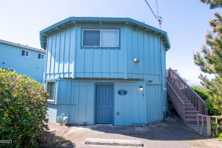 5325 NW Jetty Avenue, Lincoln City, OR 97367