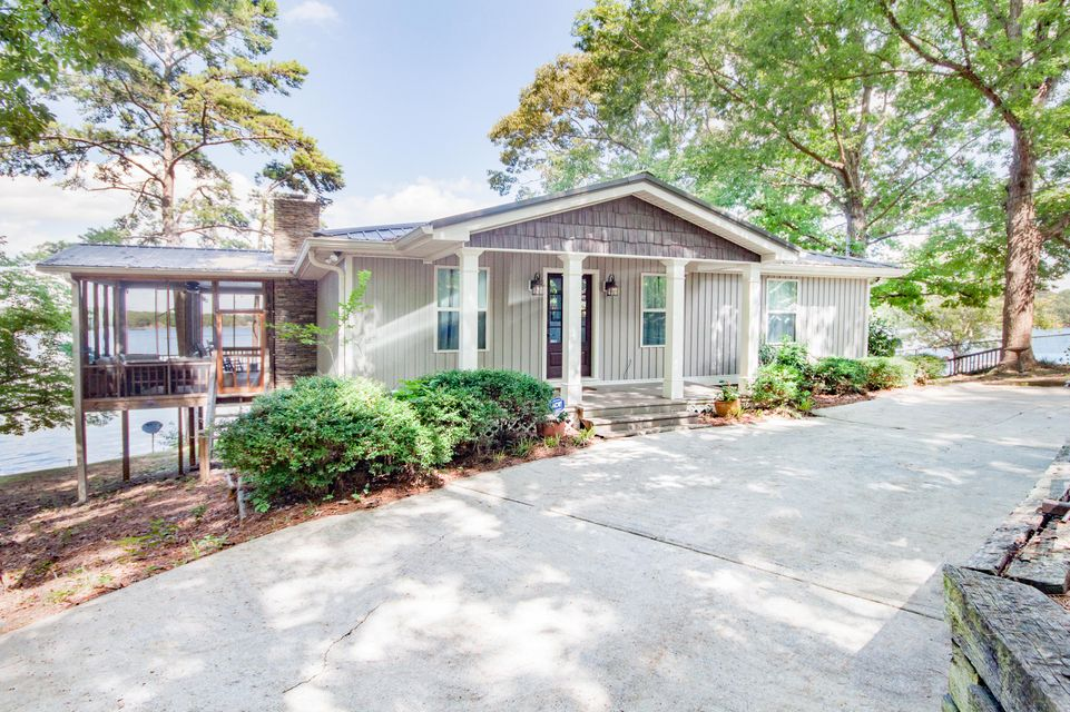 101 Moonlight Pt, Jacksons Gap, AL 36861