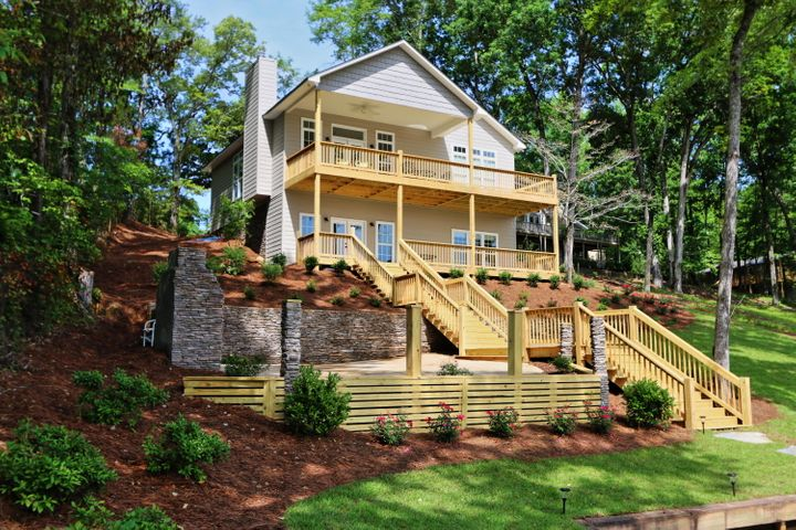 Lakeside of Lake Martin home for sale in Manoy Creek area.