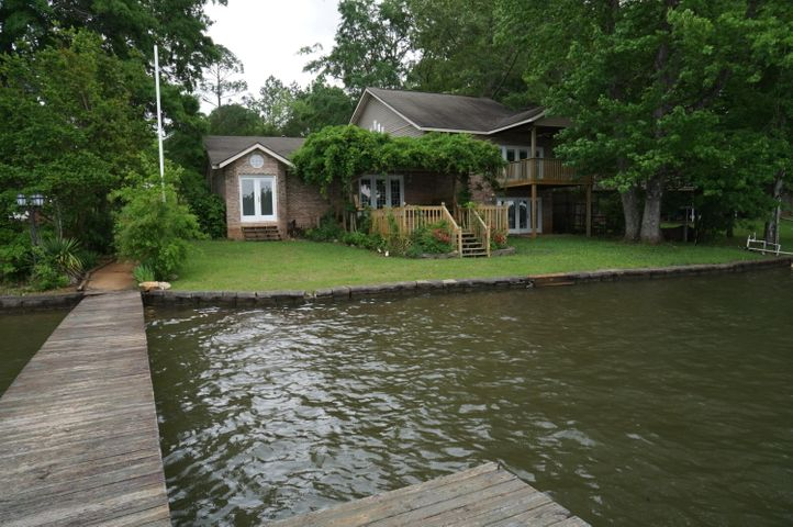 798 Point Cloxson Circle, Jacksons Gap, AL 36861
