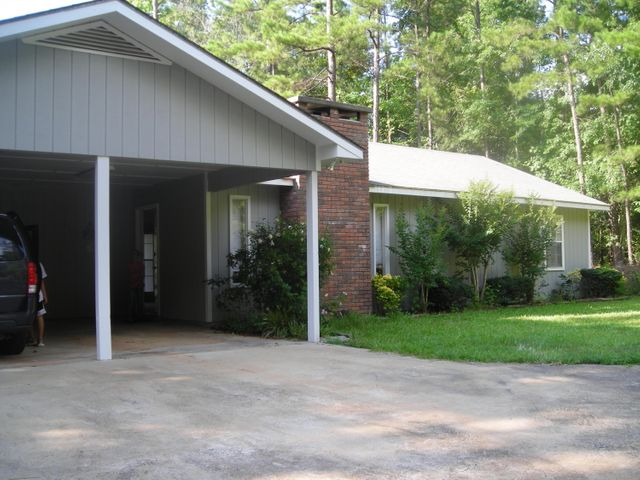 79 North Miller Pointe, Eclectic, AL 36024