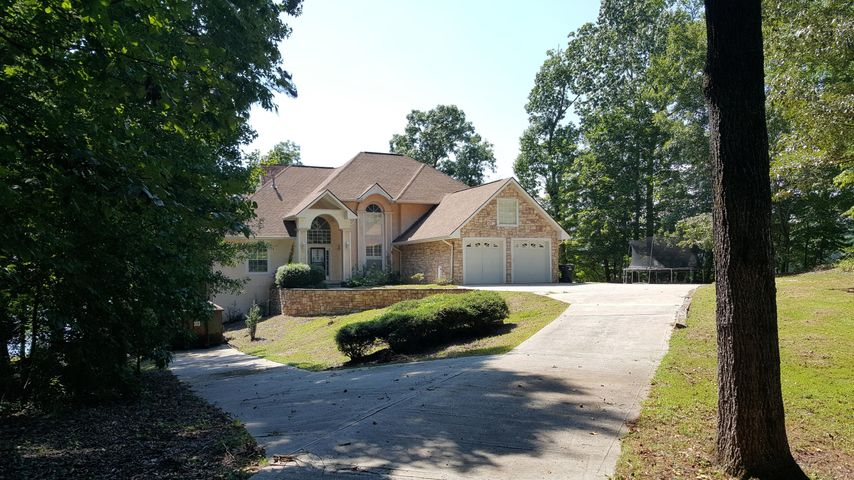 528 Mountain Laurel Dr, Jacksons Gap, AL 36861