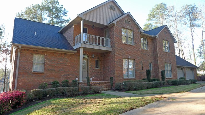127 Oaks Point, Jacksons Gap, AL 36861
