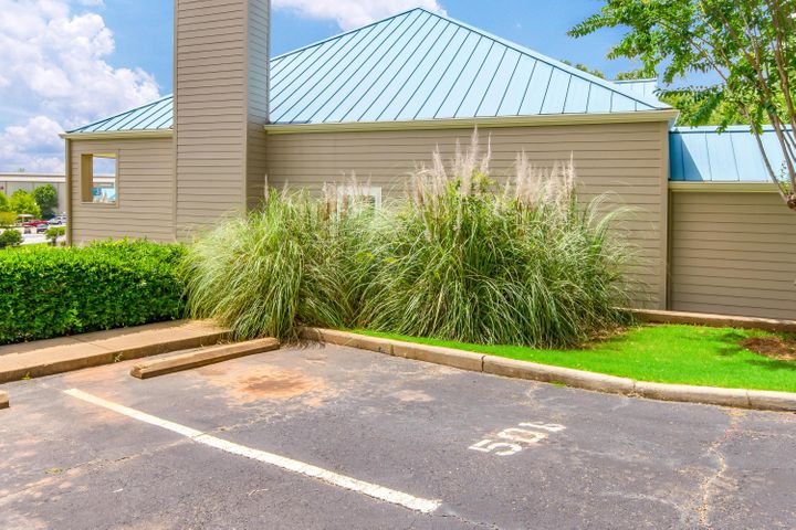 100 Harbor Place, Unit 501, Dadeville, AL 36853