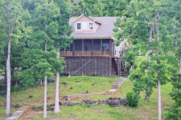 Lake Martin Cabin For Sale - 183 Lakeview Drive