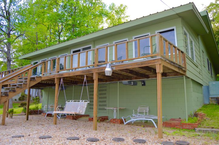 Did someone mention lake cabin living?!