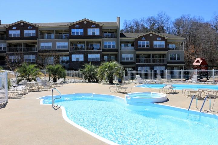 North Lake Condo Club swimming pools