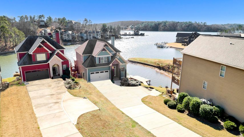 Make lifetime memories here on this protected cove near Chimney Rock. Great for wave running, kayaking, paddle boarding and wakesurfing!