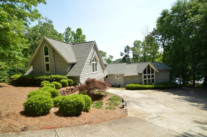 288 Blue Creek Cir, Dadeville, AL 36853