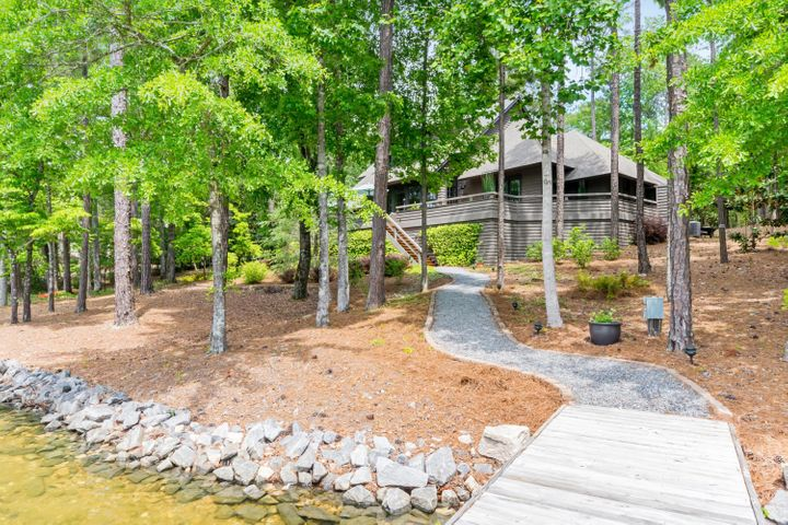 200 Catesby Dr, Eclectic, AL 36024