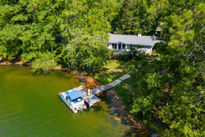 104 Burnswood Dr, Jacksons Gap, AL 36861