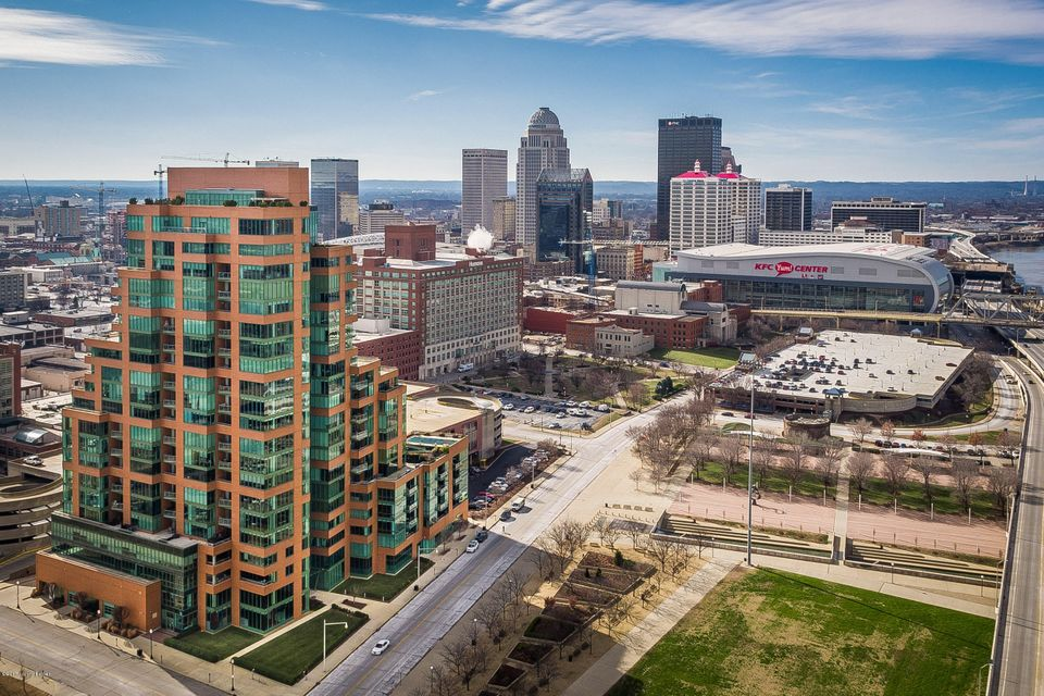 222 E Witherspoon St 806, Louisville, KY 40202