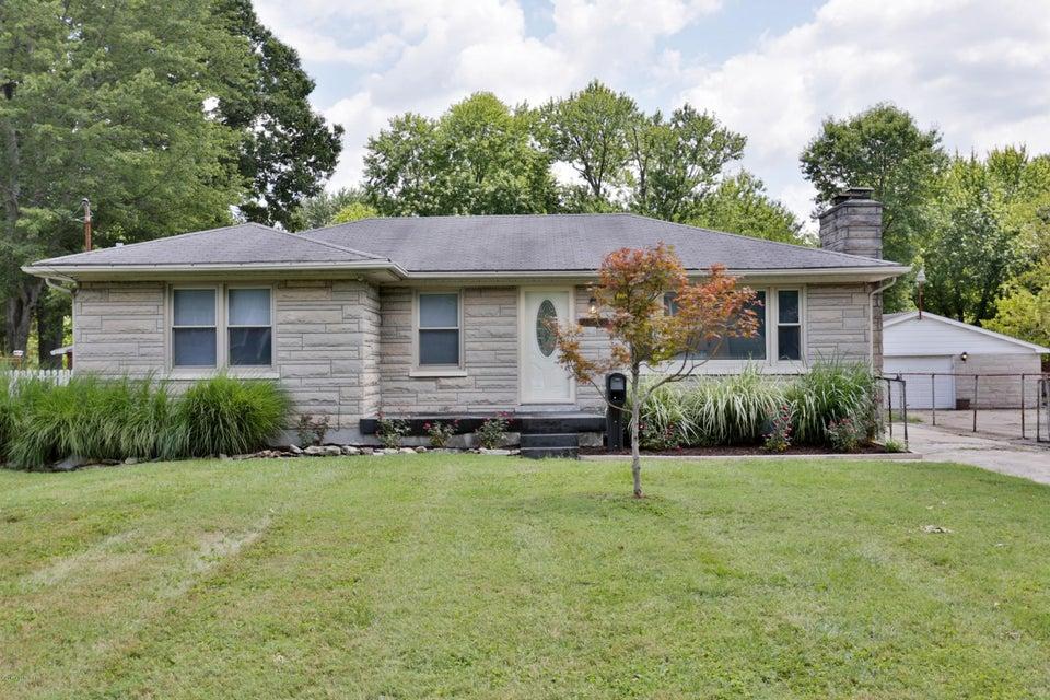 7913 Bluebonnet Rd, Louisville, KY 40258