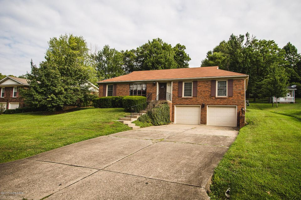 8714 Windsor View Dr, Louisville, KY 40272