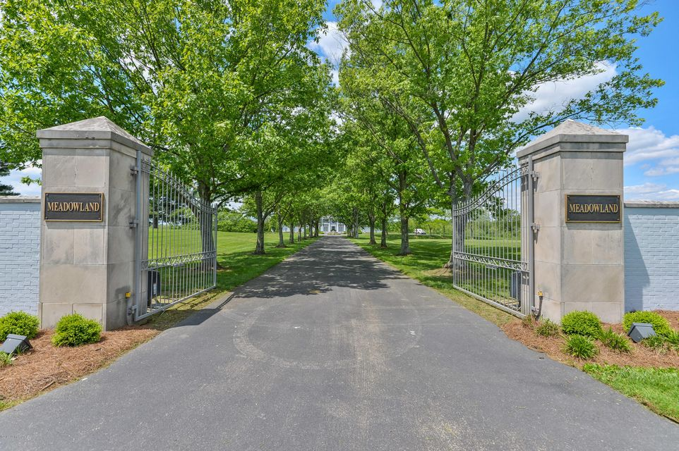 Meadowland Farm embodies the quintessential Kentucky bluegrass farm offering 82 acres in the L'Esprit community in Oldham County. L'Esprit is an established equestrian community, providing 25 miles of renowned bridle trails. The impressive centerpiece of Meadowland Farm is a resplendent neoclassical residence with approximately 11,000 square...