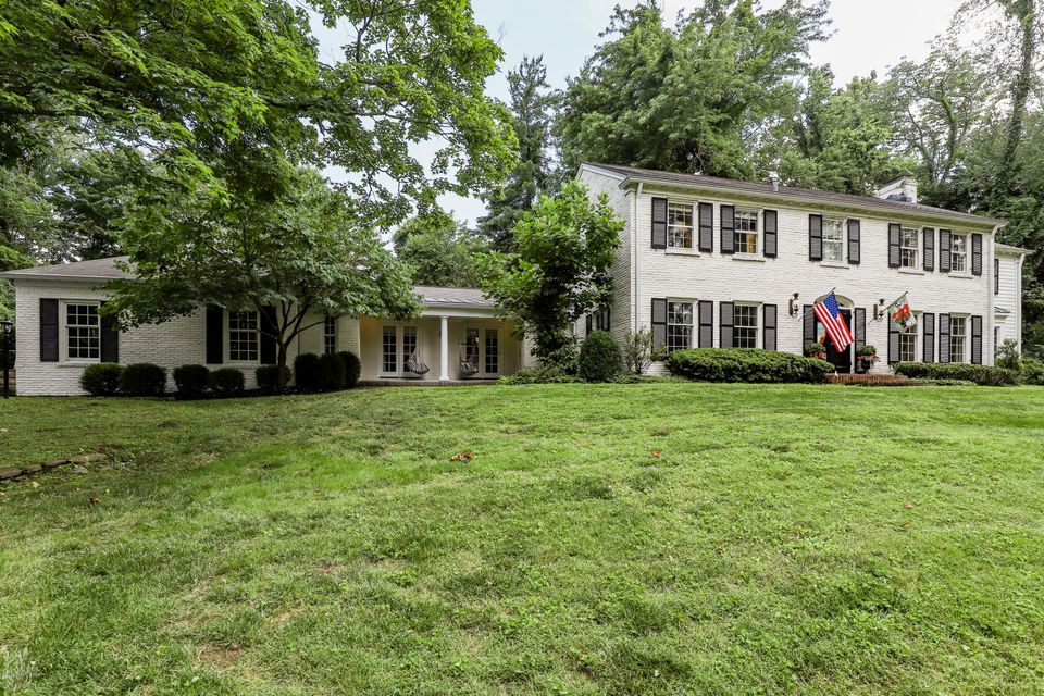 Welcome to 169 Westwind Road. This beautiful center hall colonial is gracefully situated on a spectacular treed lot of nearly 1.5 secluded acres in sought after Indian Hills. The traditional floor plan boasts an updated kitchen with GE monogram stainless appliances including convection and Advantium ovens, warming drawer, five burner gas range...